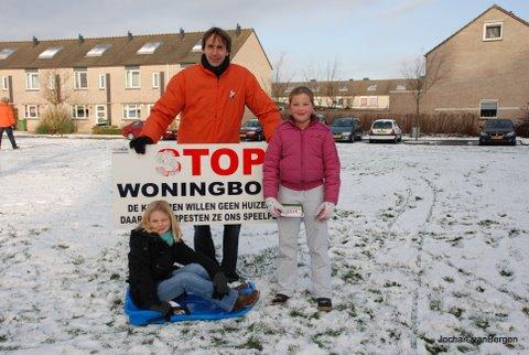 Herbert-raat-Westwijk met buurtkinderen-2009