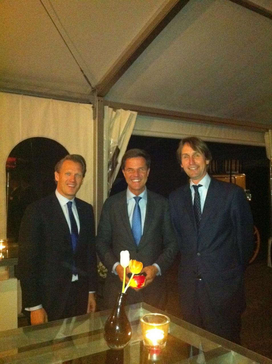 Ontmoeting met Mark Rutte in Beukelen bij een diner op het landgoed van Cor van Zadelhoff. Kees Noomen, links op de foto is een vriend en fractievoorzitter van de VVD in Amstelveen.