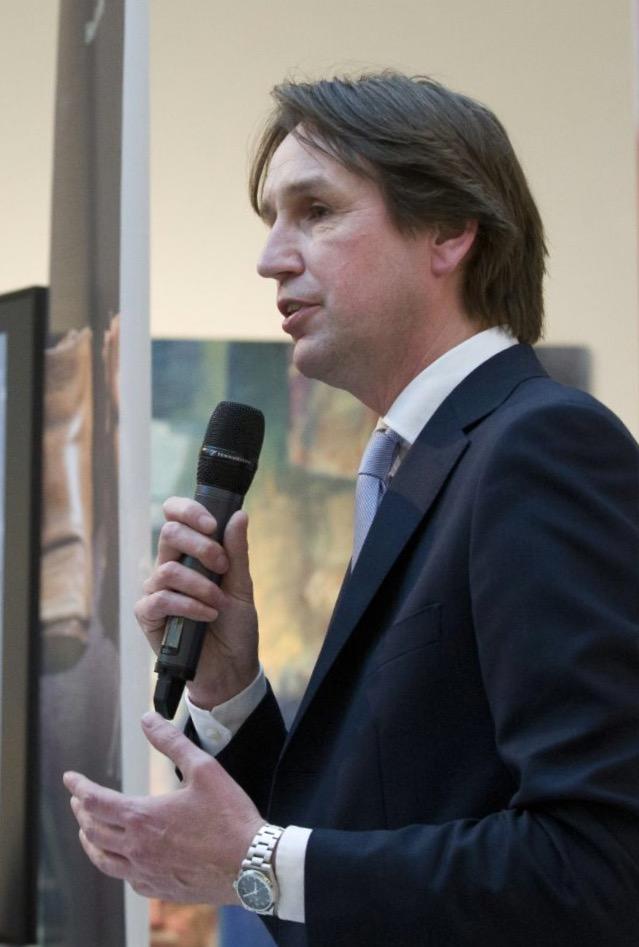 2016-Herbert Raat in museum Jan van der Togt. Presentatie boek Henk Godthelp.