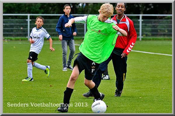 2013-senders-voetbal