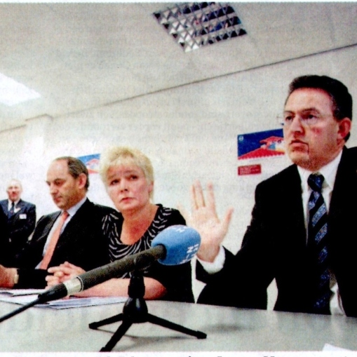 2004-Herbert Raat.Job Cohen Ahmed Aboutaleb tijdens persconferentie over El Tawheed-moskee in Oud-West