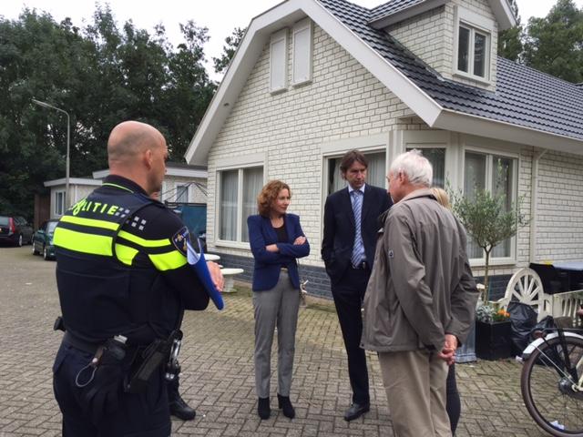2015; Bezoek burgemeester en wethouder Herbert Raat aan woonwagenkamp Amstelveen