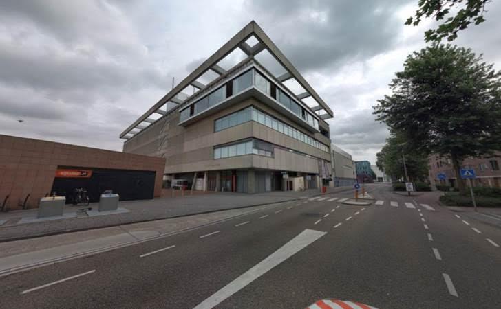 2017-Het oude pand van V&D gezien vanaf de Meander in Amstelveen