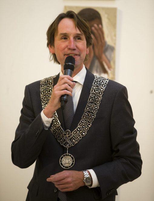 2017-29-9 Loco-burgemeester Herbert Raat bij afscheid Linda Roos in Museum Jan van der Togt: zie: https://herbertraat.com/2017/09/30/zilveren-erepenning-voor-linda-roos/