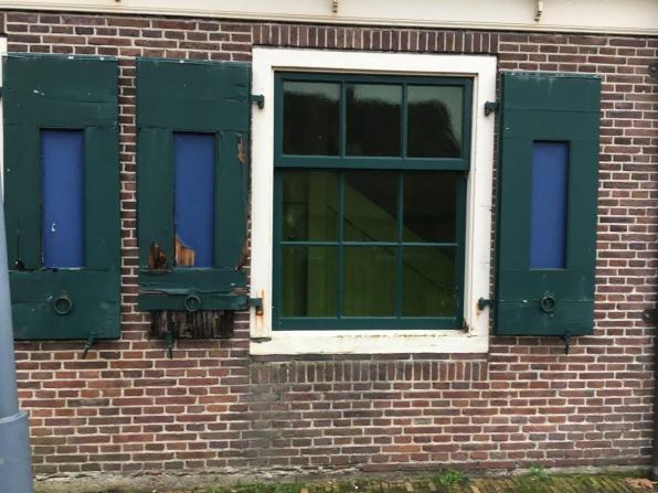 2018-Het Jagershuis: aangetaste delen luiken en kozijn