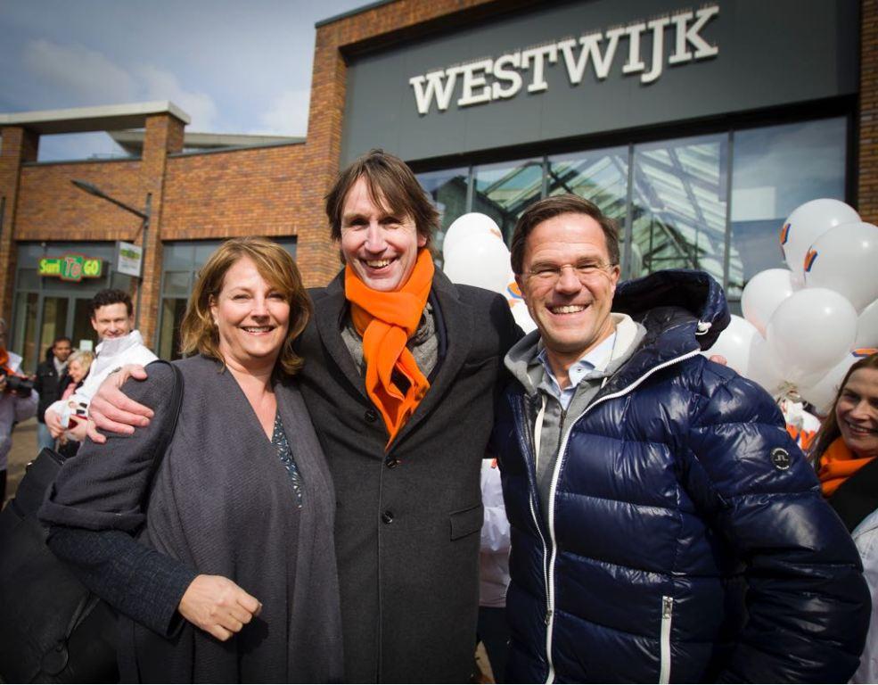 2018-Karin Raat-Wegewijs-Herbert Raat en Mark Rutte in Westwijk Amstelveen