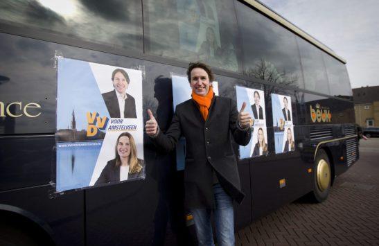 2018-Herbert Raat voor de VVD campagnebus Amstelveen