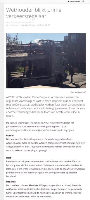 2018-april; Wethouder Herbert Raat als verkeersregelaar Oude Dorp
