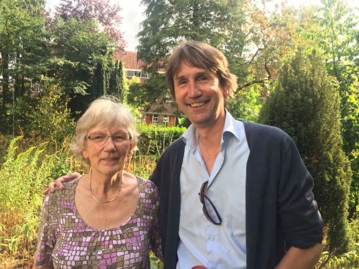 2018-28-7 Met mijn moeder Frieda Raat-Esselink in Zutphen