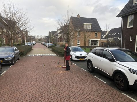 2019-1-1 Wedderborg Amstelveen opruimen van vuurwerkresten