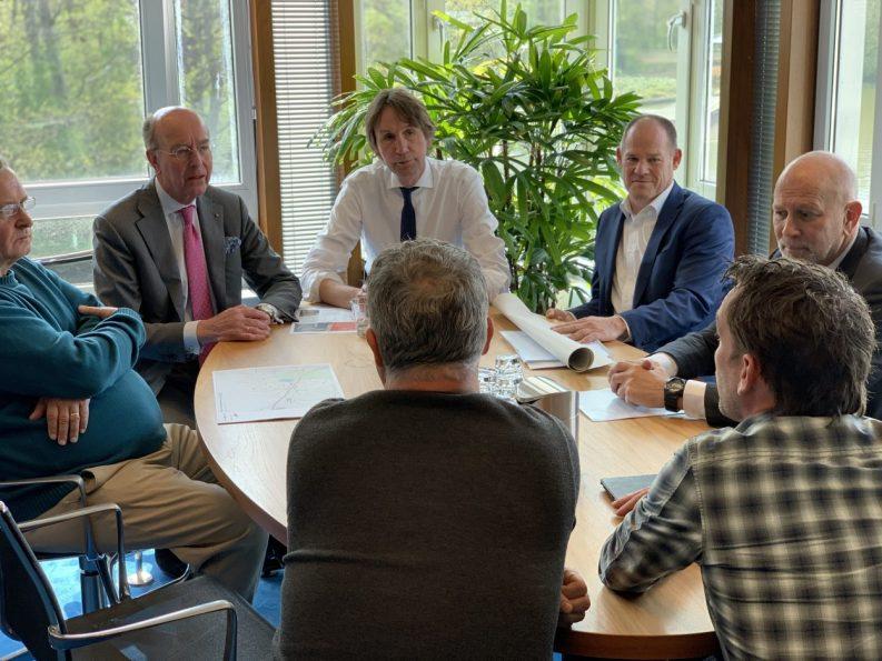 2019-Burgemeester Bas Eenhoorn en wethouder Herbert Raat en oud-politieagenten inbraakteam