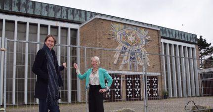 2019-wethouders Herbert Raat en Floor Gordon bij de Heilige Geestkerk in Amstelveen