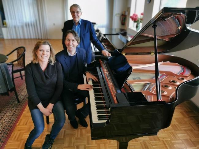 2019-30-12: Karin van Kerkwijk, wethouder Herbert Raat en Frank Van Kerkwijk in Amstelveen
