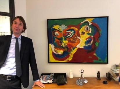 2020-Wethouder Herbert Raat bij de twee gezichten van Karel Appel