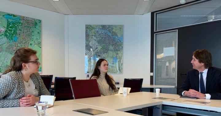 2021; overleg met de Vereniging bewonersUilenstede (VBU) en Herbert Raat over brand Uilenstede