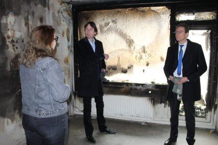 11-3-2021-Bezoek Uilenstede nav van brand, Lisette Doornbos, wethouder Herbert Raat en burgemeester Tjapko Poppens. Foto gemaakt door Anne-Fleur Pel.